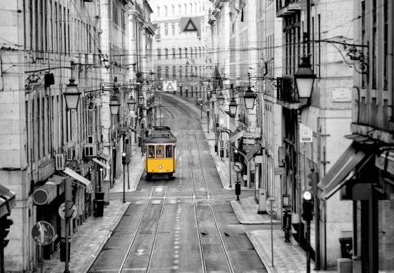 Wizzard and Genius Fotobehang Streets of Lisbon