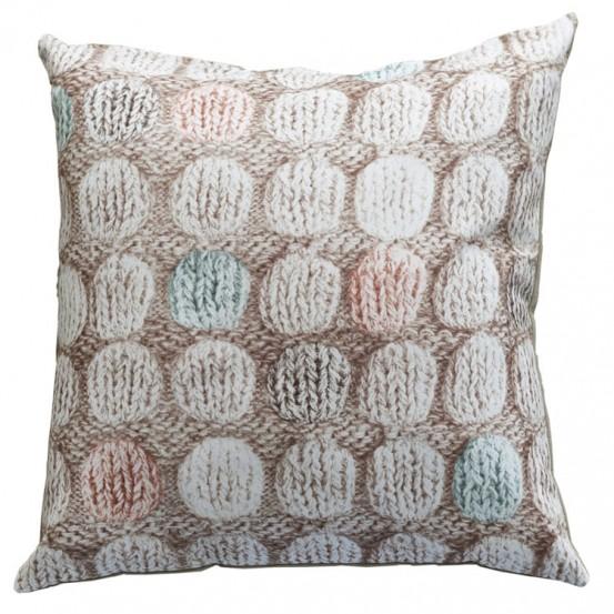 Ariadne At Home Sierkussen Knitted Dots Pastel